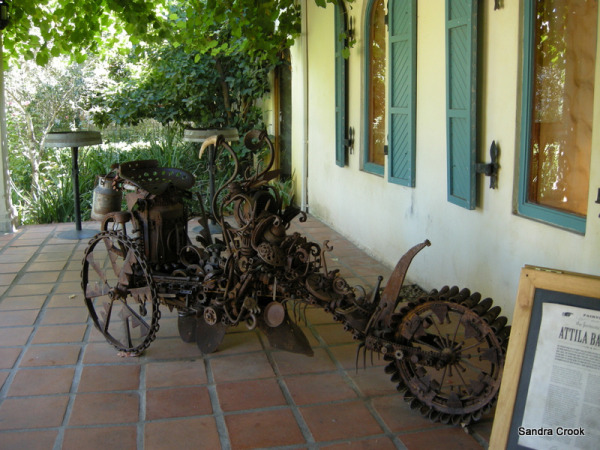 rusty bike, rust sculpture